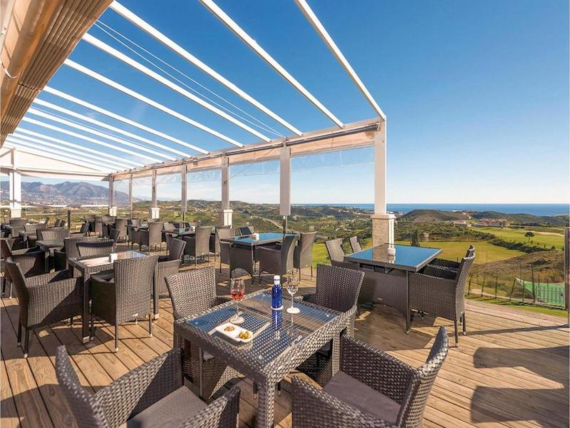 LOScortijos-Clubhouse_terrace.jpg