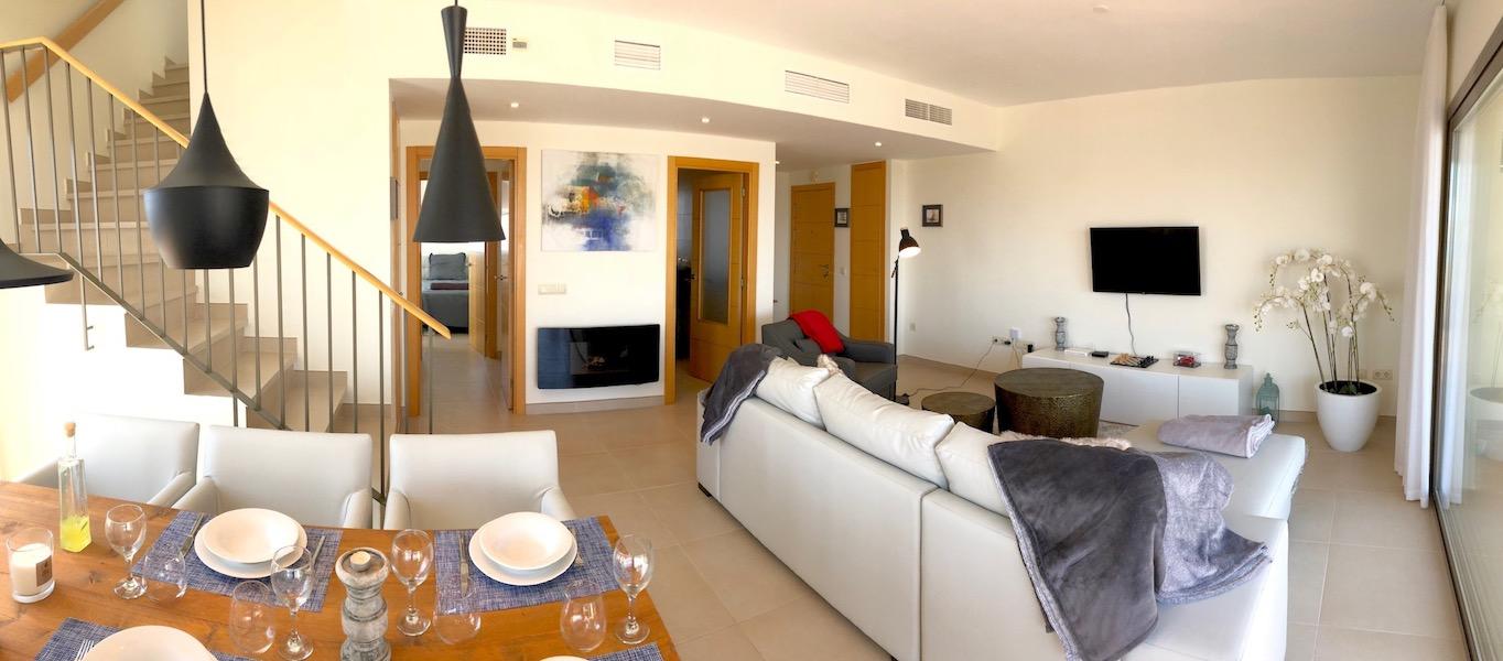 LOScortijos-Lounge3.jpg