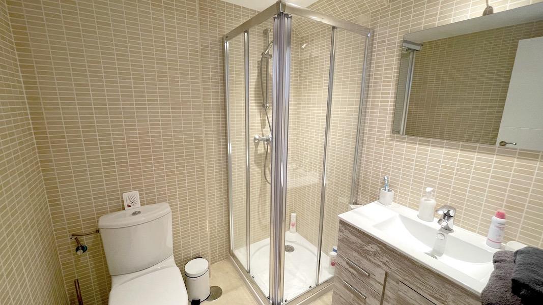 LaCala17-Bathroom_2.jpg