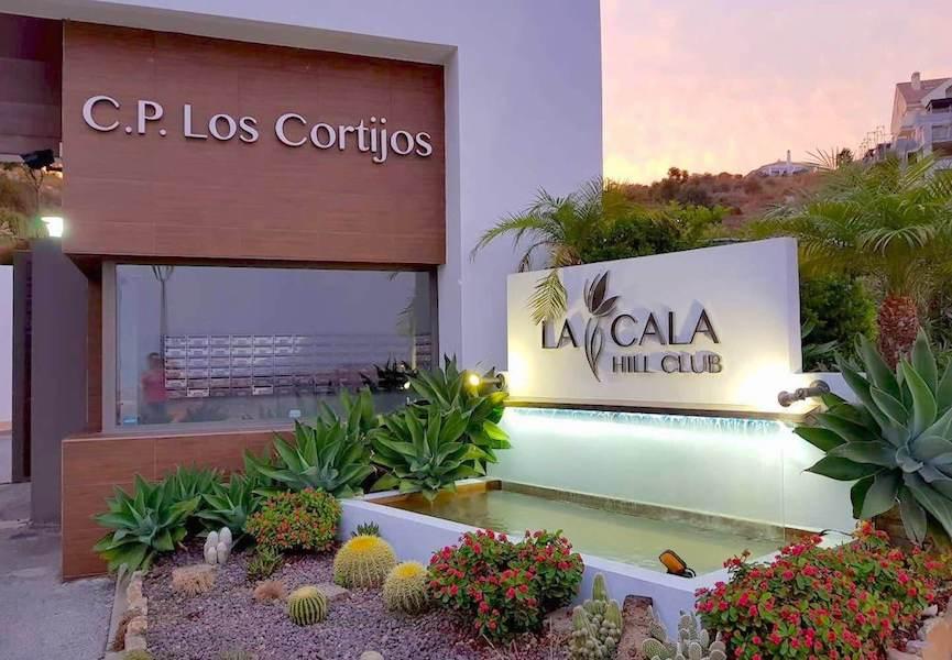 LaCala17-Entrance.jpg