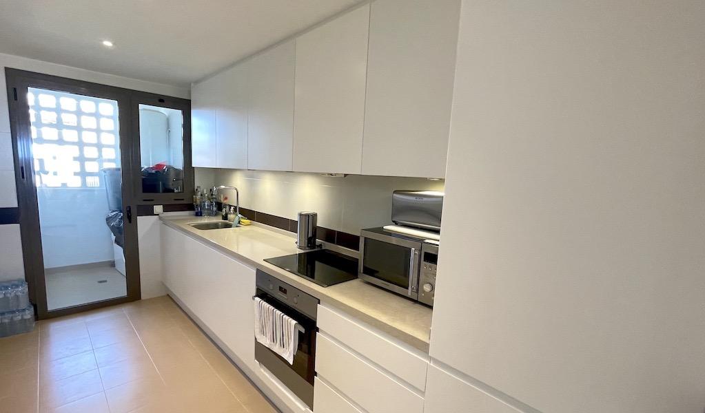 LaCala17-Kitchen.jpg
