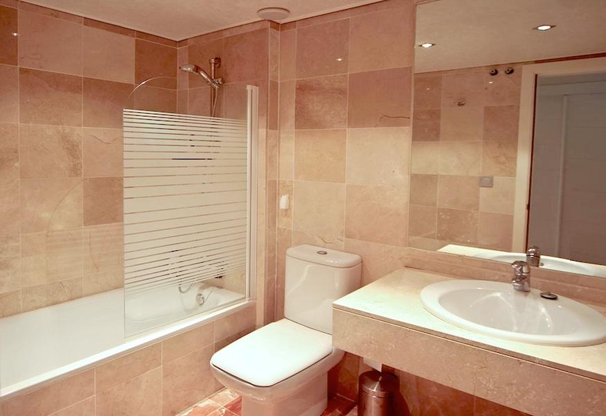 LaCala_Apartment-Bathroom.jpg