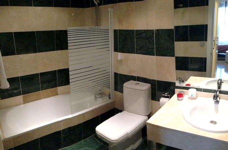 LaCala_Apartment-Master_en-suite.jpg