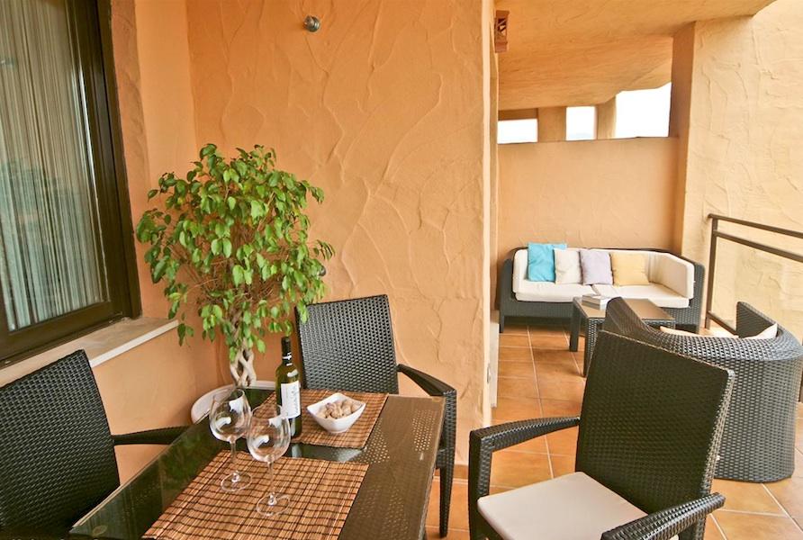 LaCala_Apartment-Terrace3.jpg