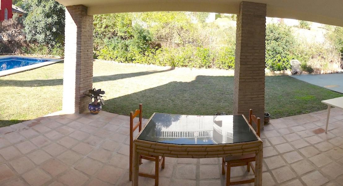 Las_Cumbres-Patio.jpg