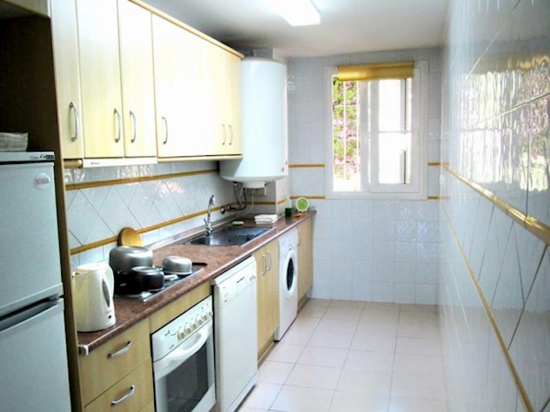 Las_Mimosas-kitchen.jpg
