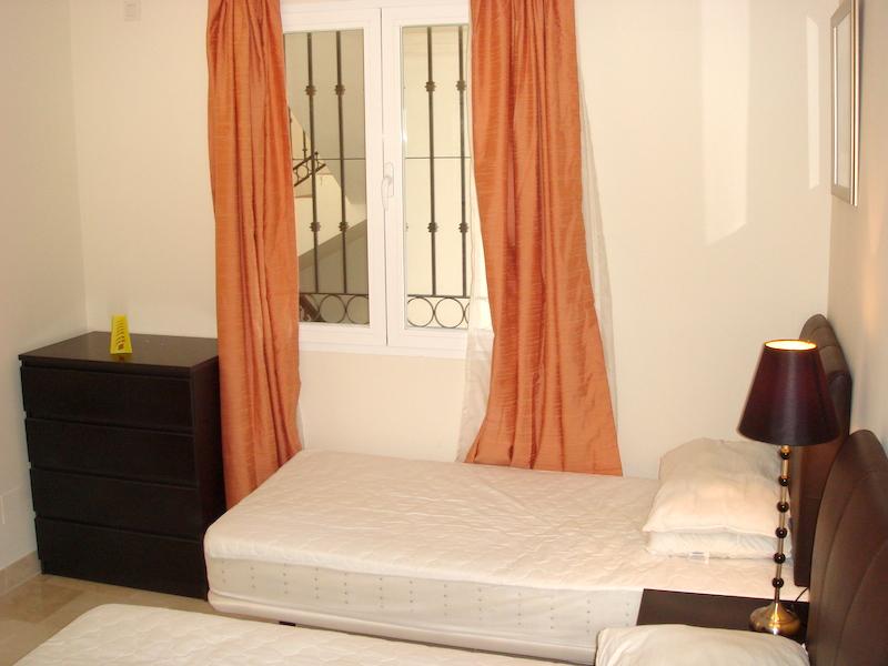 Las_Palmeras_de_Calahonda_bedroom_2.jpg