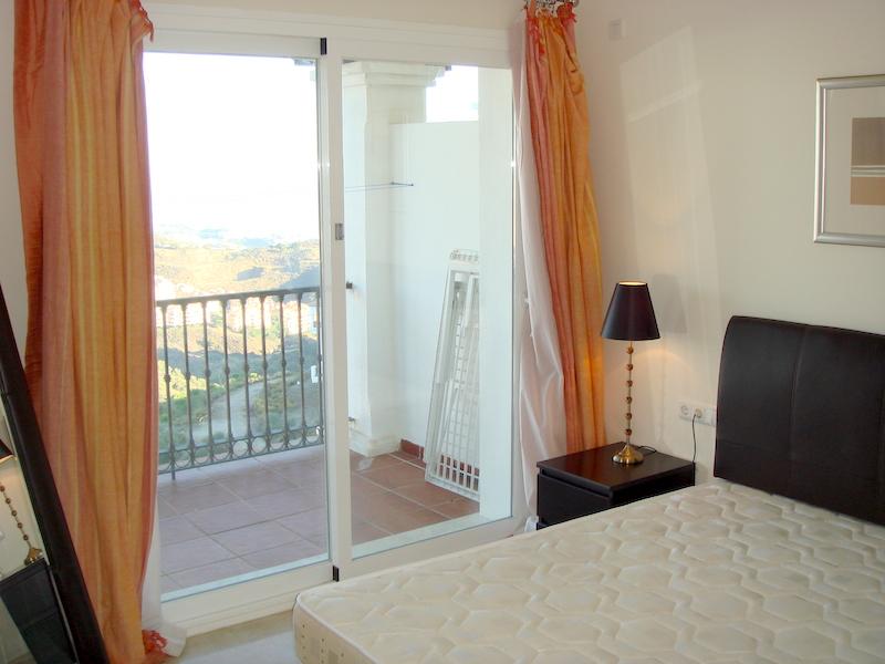 Las_Palmeras_de_Calahonda_master_bedroom.jpg