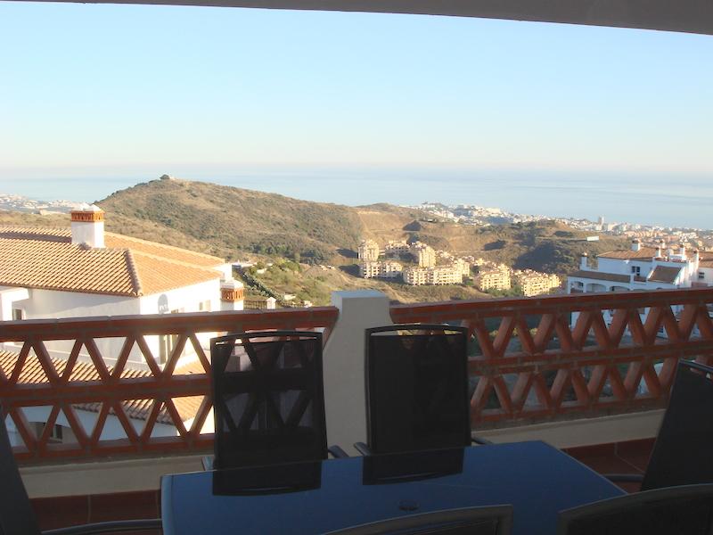 Las_Palmeras_de_Calahonda_terrace2.jpg