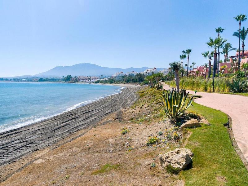 Las_Salinas-Beach3.jpg