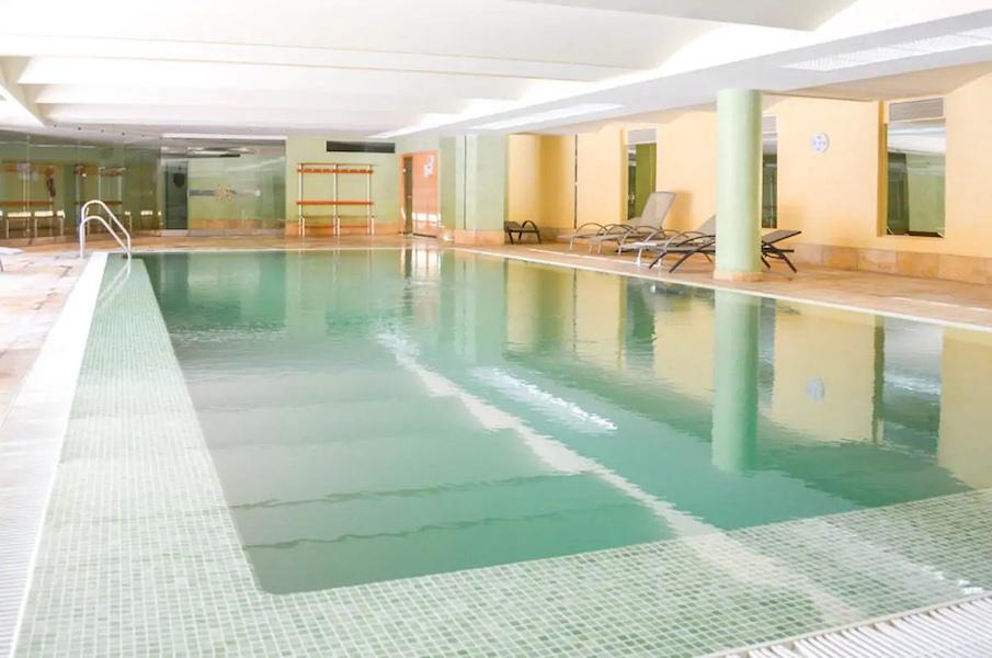 Las_Salinas-Indoor_pool2.jpg