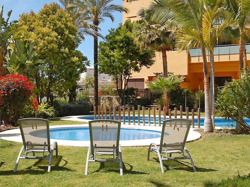 Las_Salinas-Pool2.jpg