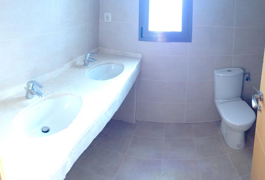 Los_Cortijos_Master_en-suite.jpg