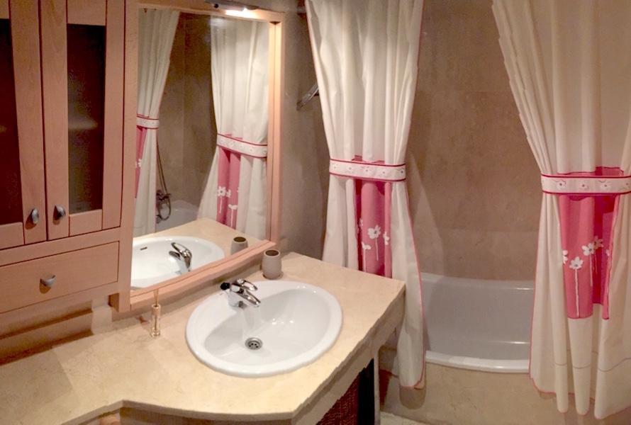 Marbella-En-suite.jpg