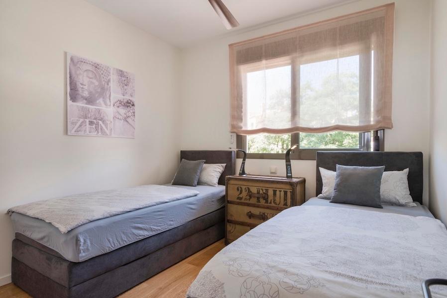 The_Suites_320-Bedroom_2.jpg