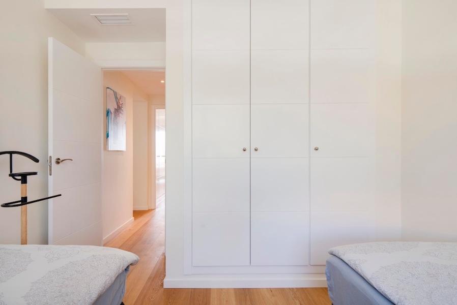 The_Suites_320-Bedroom_2b.jpg