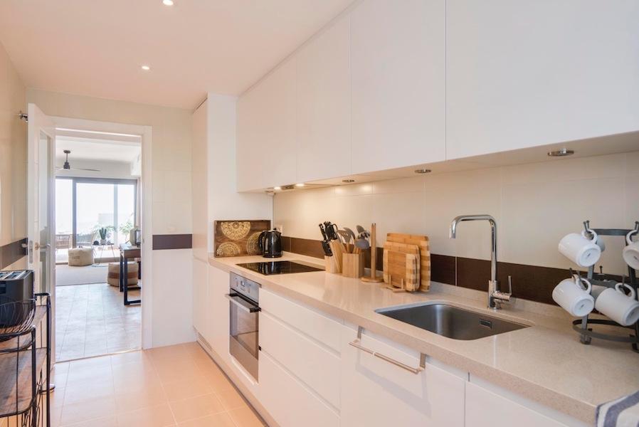 The_Suites_320-Kitchen.jpg