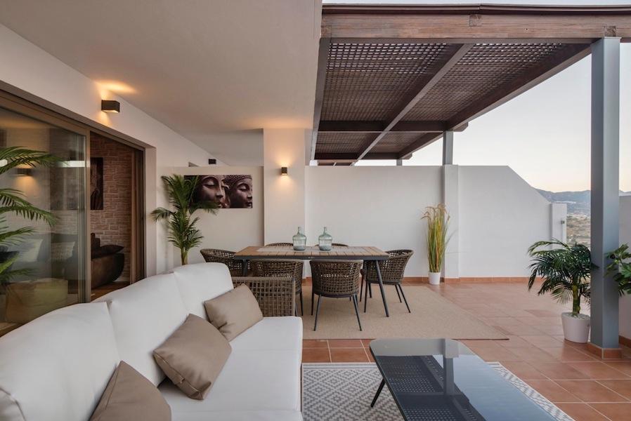 The_Suites_320-Terrace9.jpg