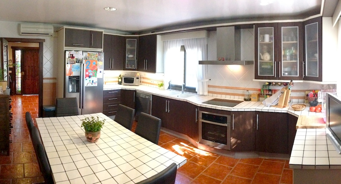 VILLA-Kitchen2.jpg
