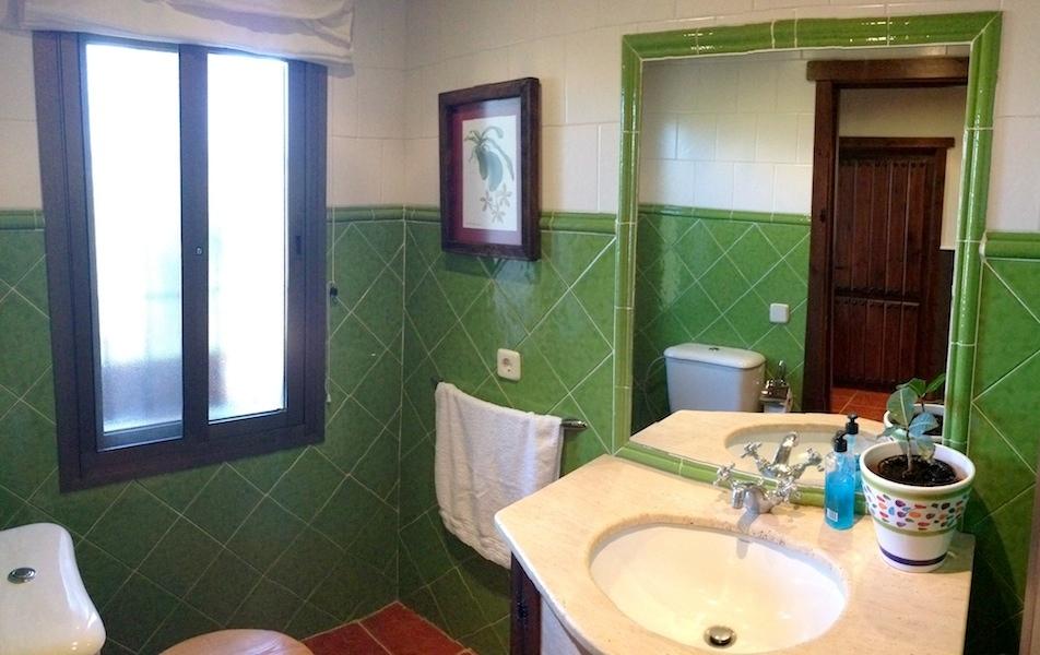 VILLA-Toilet.jpg