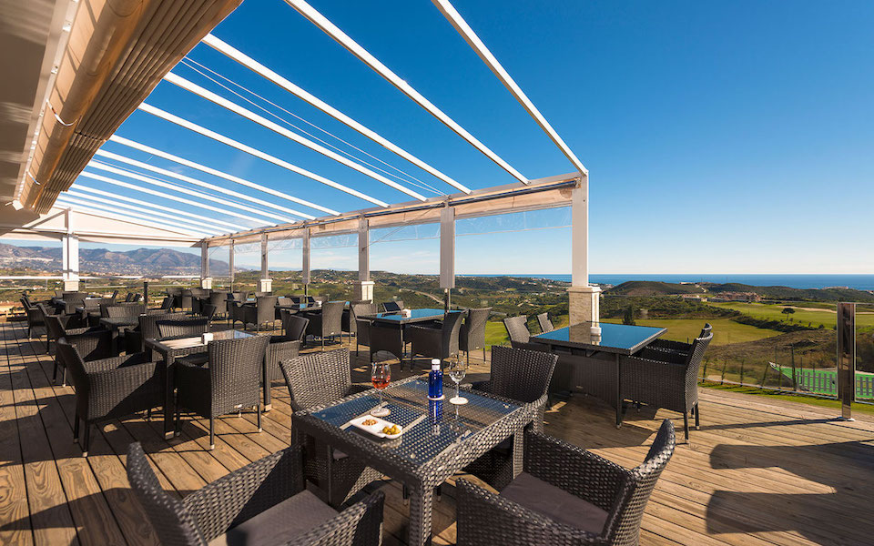 hercesaCalanova-clubhouse_terrace.jpg