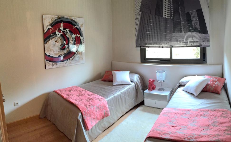 los_cortijos-bedroom_2.jpg