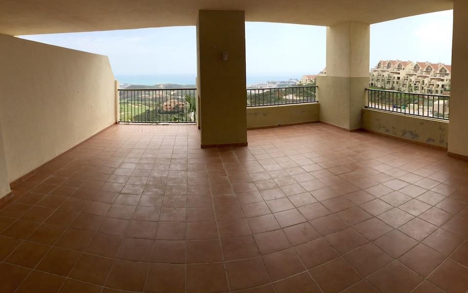 los_cortijos-terrace.jpg